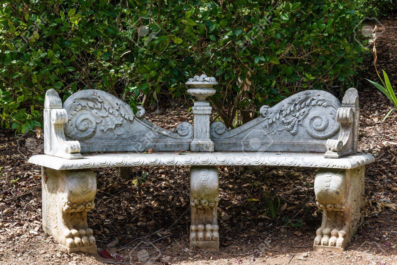 Vieux Banc De Jardin ancien banc de jardin en marbre façonné