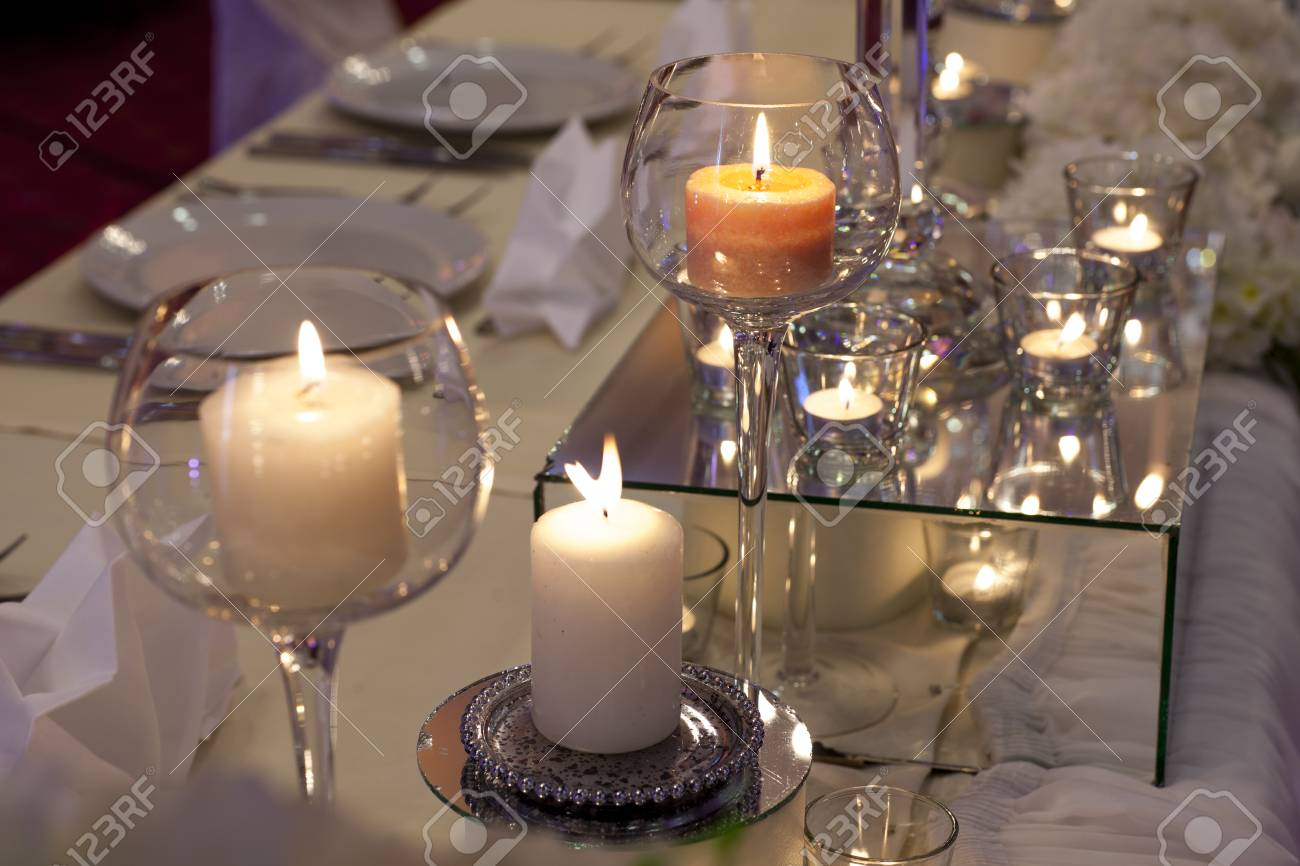 Bougie Décoration De Table décoration avec des bougies sur la table pour un mariage