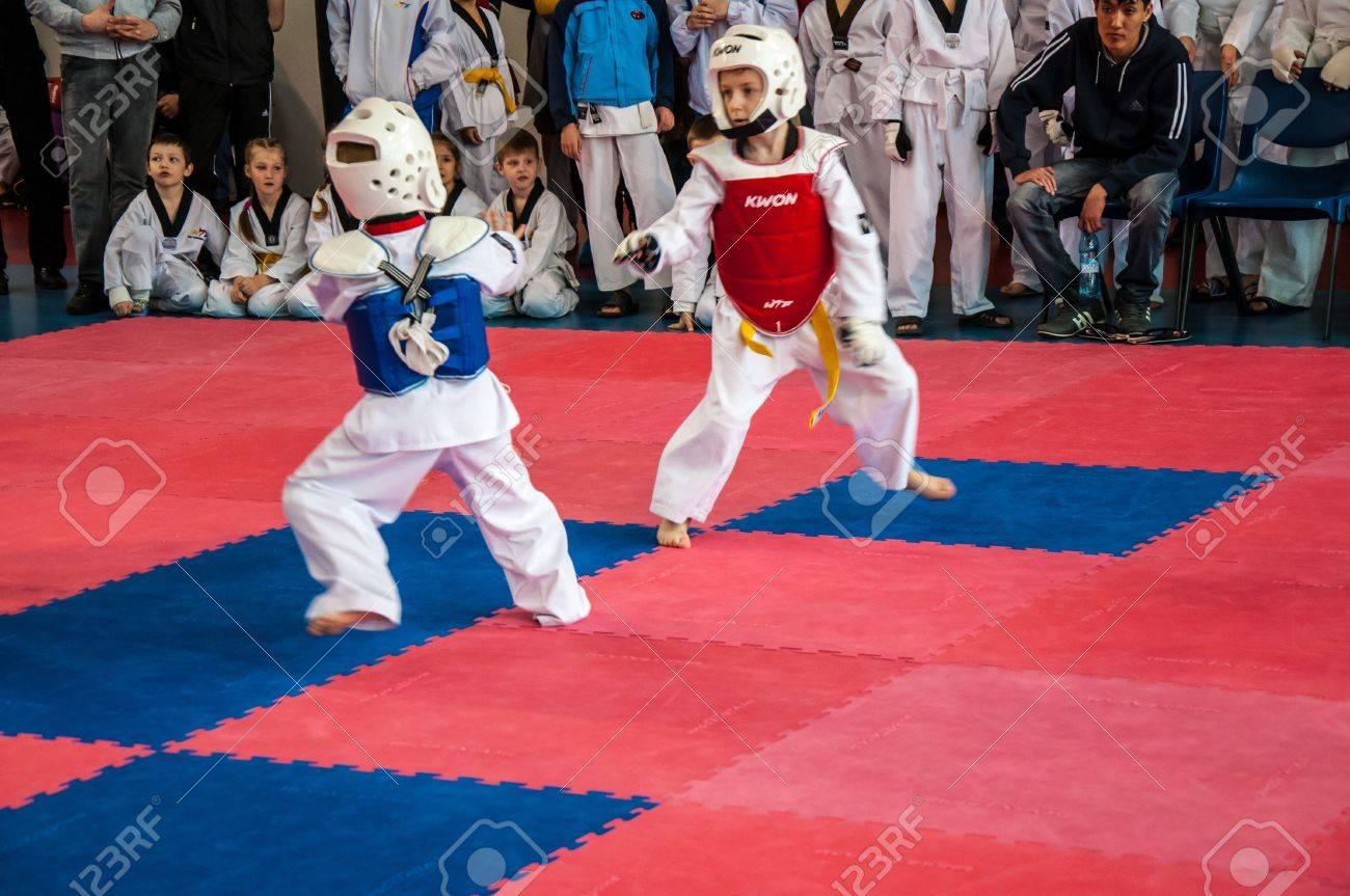 The Korean martial art of taekwondo - 18479363