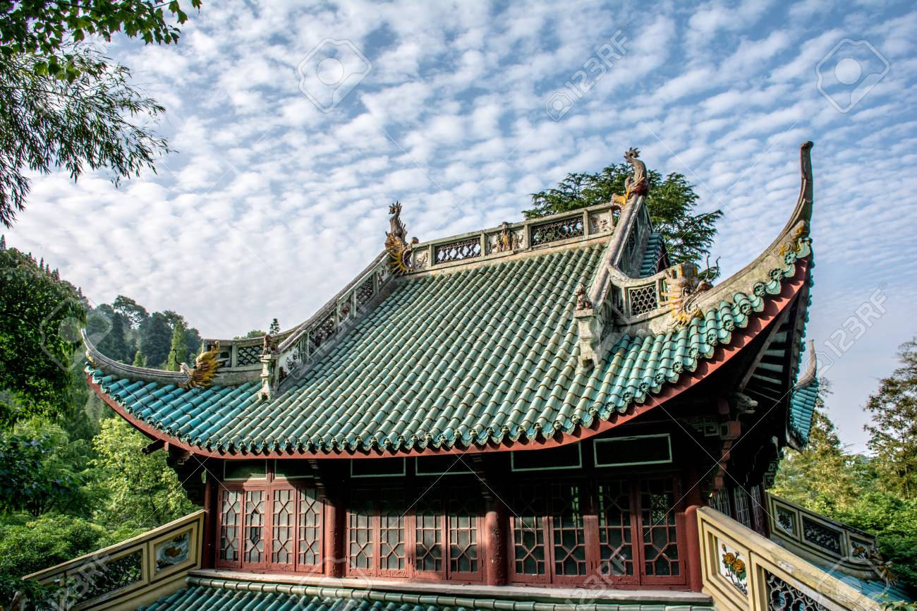 china architecture oriental style house roof with dragons and