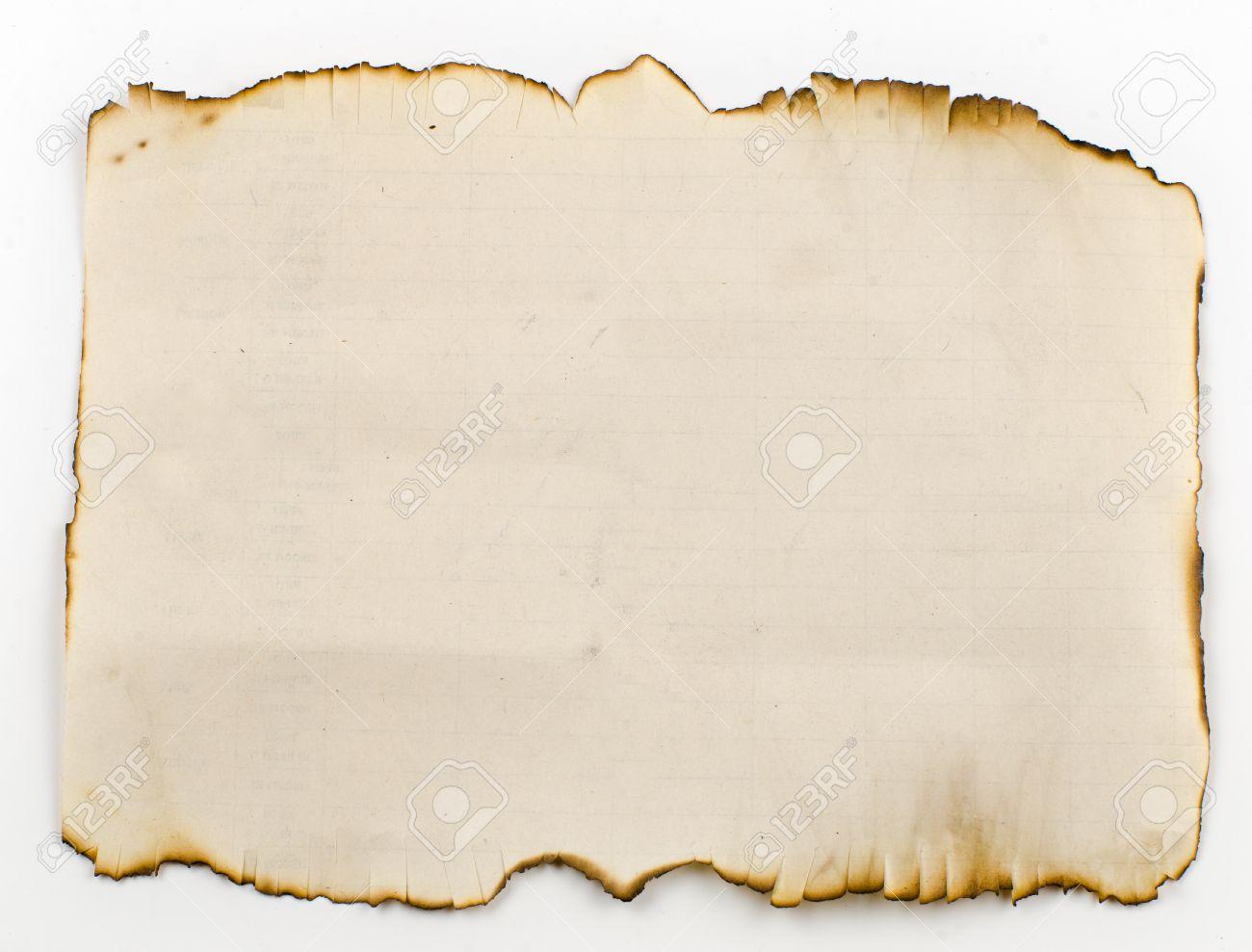Vieux, Brûlé Sur Les Bords De La Feuille De Papier. Comme Un Vieux  Parchemin, Sur Lequel Les Pirates Ont Attiré Une Carte Au Trésor. Banque  D'Images Et Photos Libres De Droits. Image