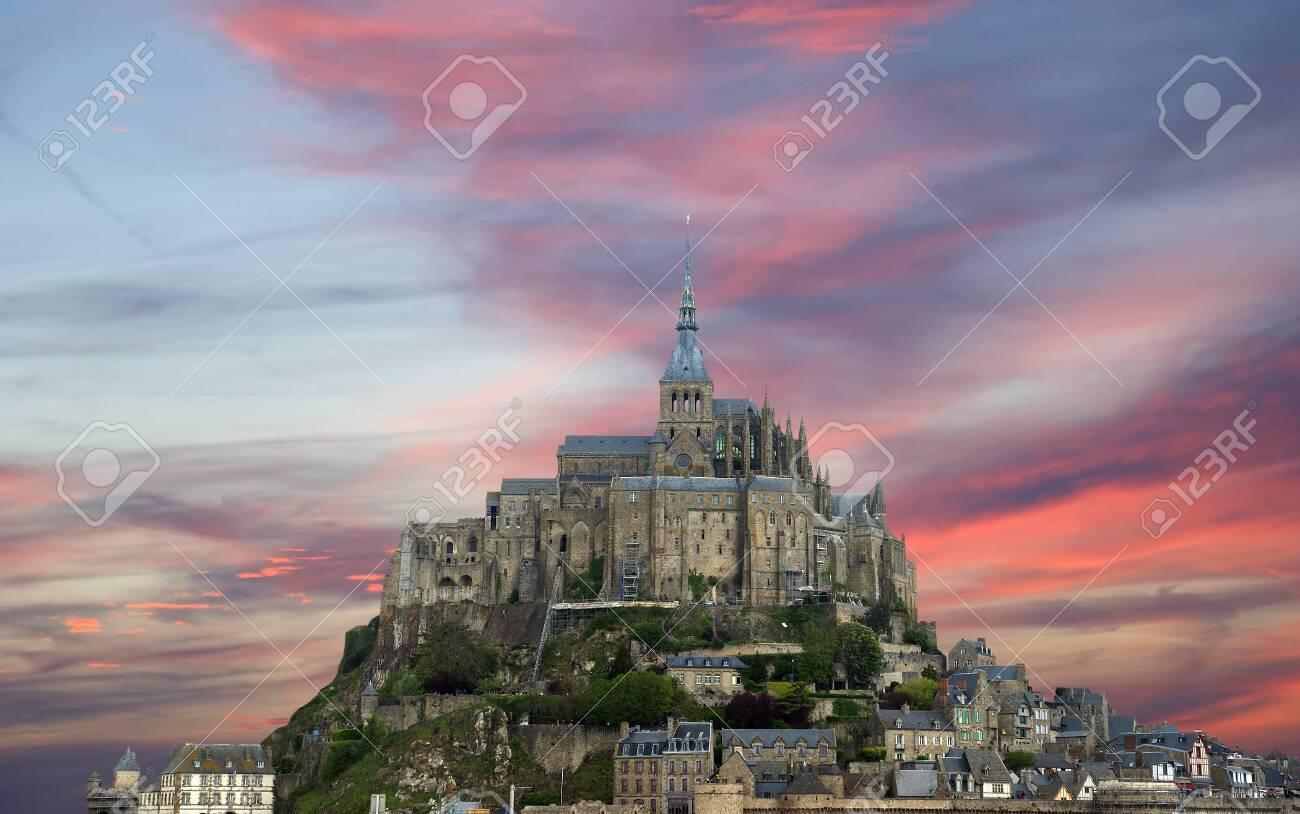 Mont Saint Michel Normandie Frankreich Eine Der Meistbesuchten Sehenswurdigkeiten In Frankreich Lizenzfreie Fotos Bilder Und Stock Fotografie Image 68080199