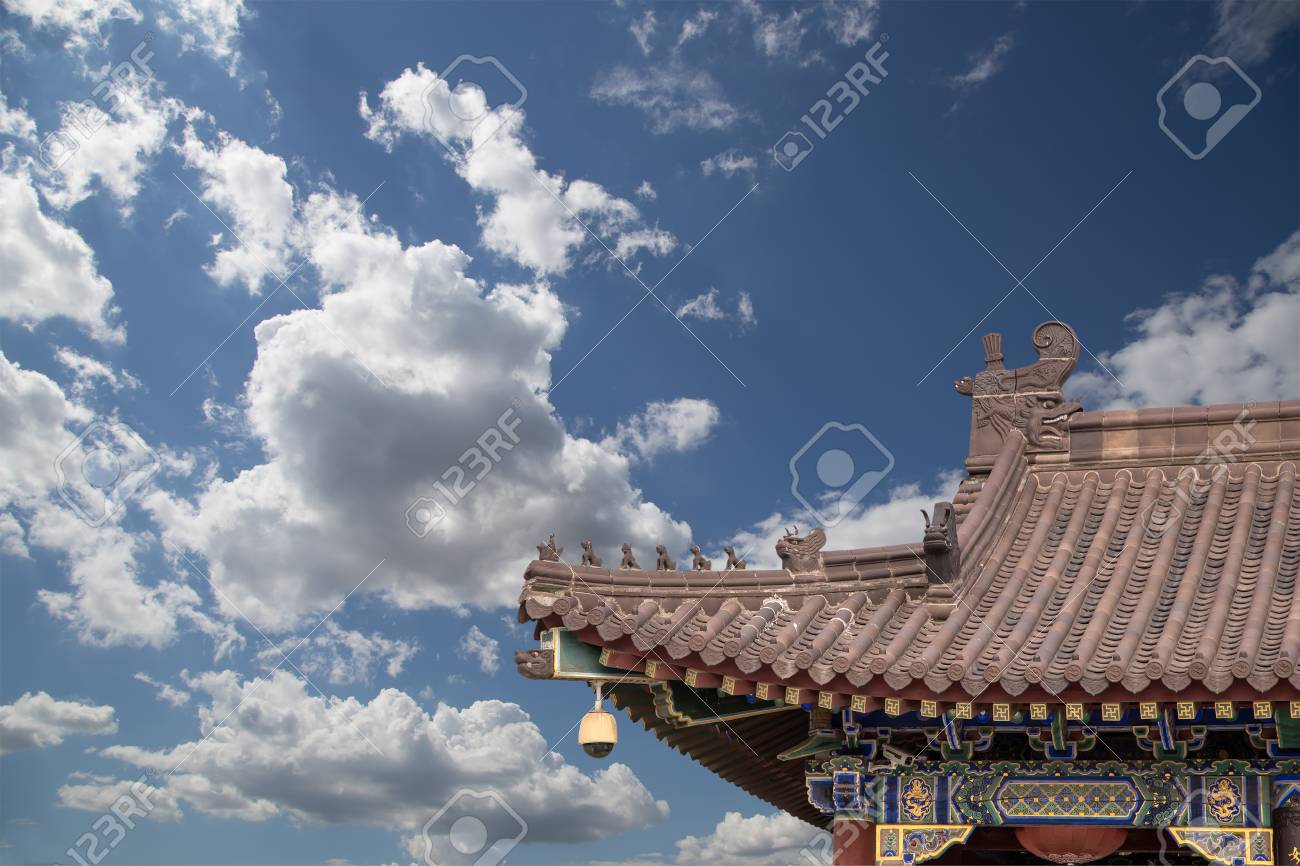 Giant Wild Goose Pagoda or Big Wild Goose Pagoda, is a Buddhist pagoda located in southern Xian (Sian, Xi'an),Shaanxi province, China Stock Photo - 24149786
