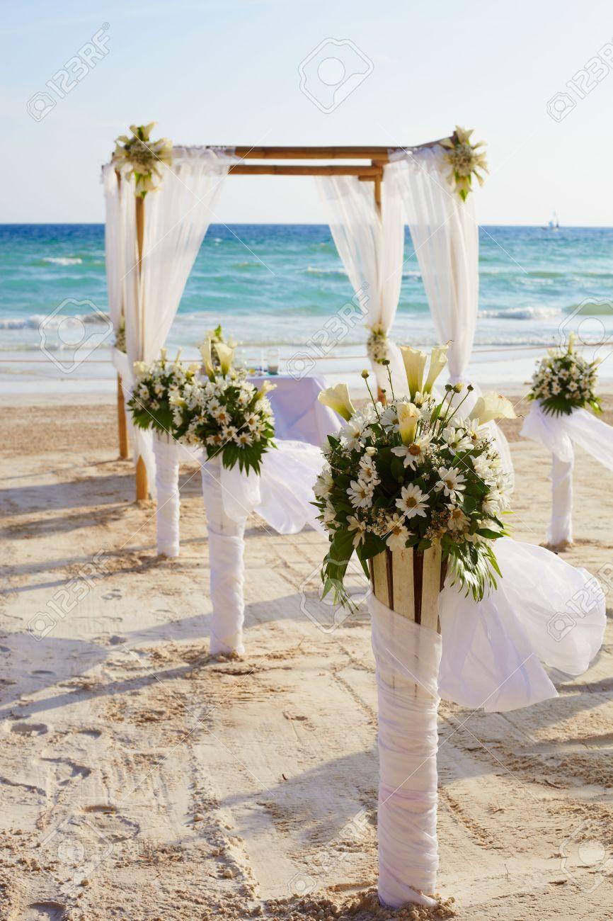 Dekorationen Fur Hochzeitszeremonie Auf Der Insel Boracay Strand