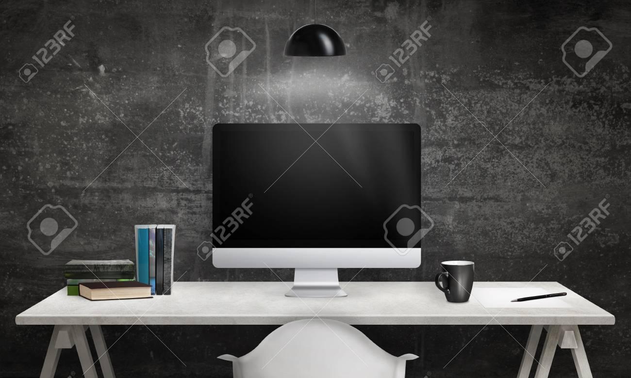 Affichage de l ordinateur et des livres sur le bureau Écran blanc