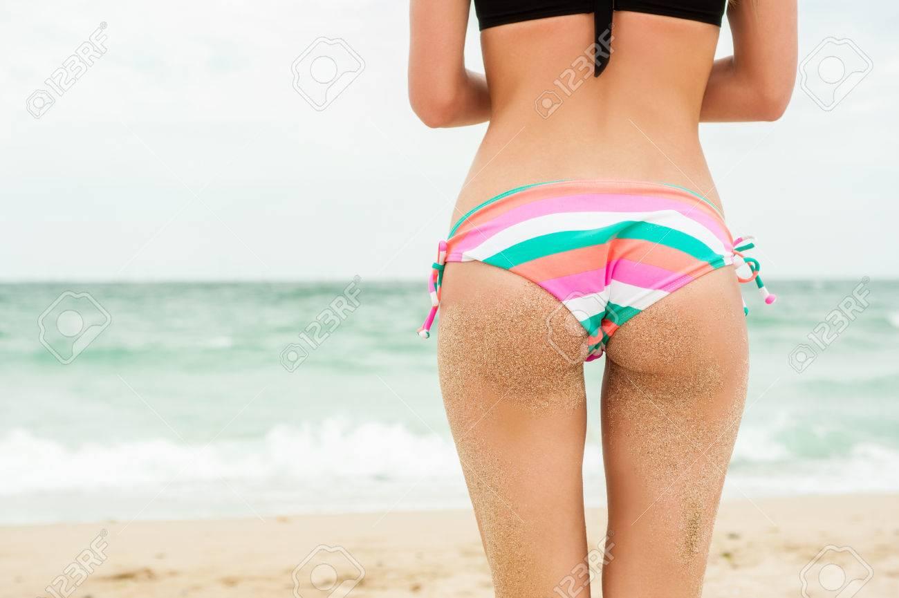 rear-bikini-pics-school