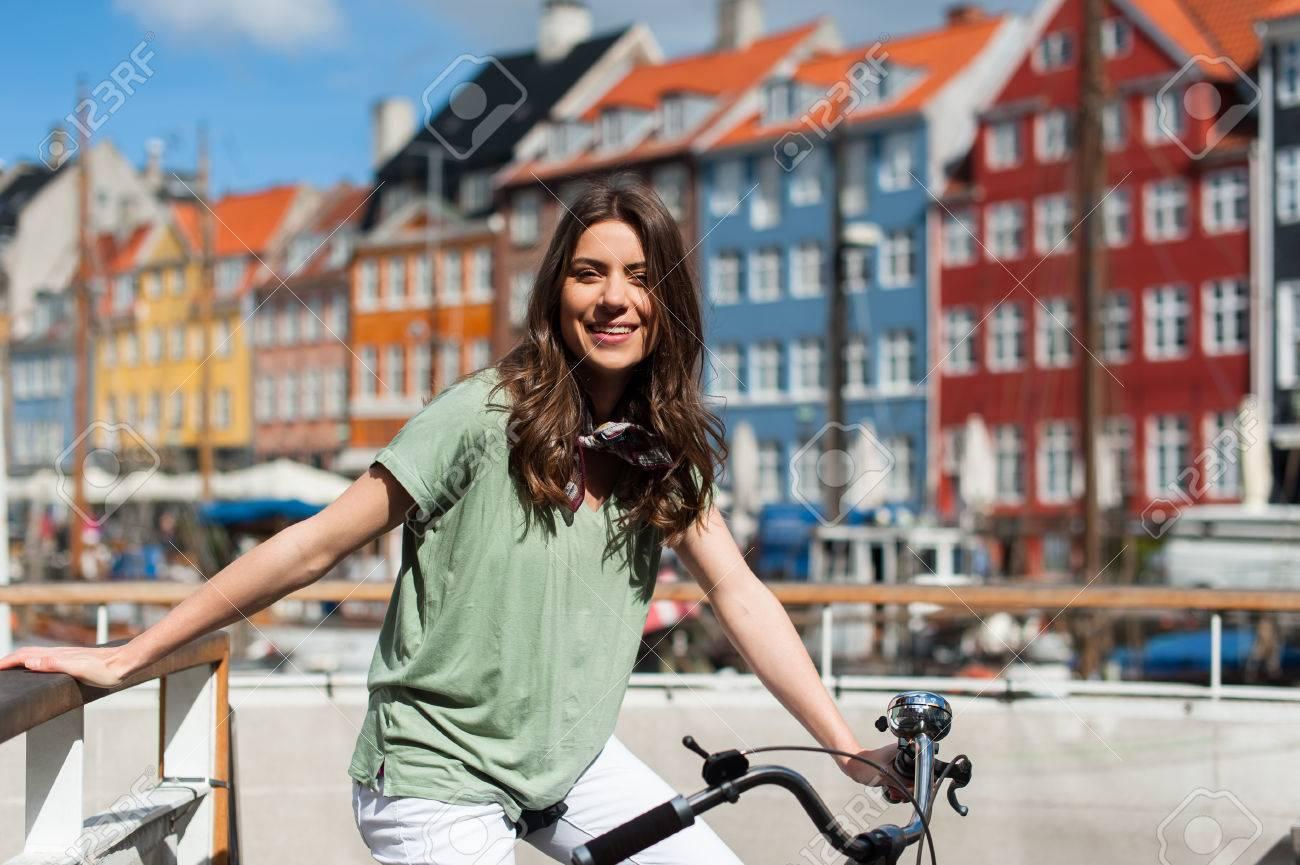 Architettura Bicicletta Barca Ponte Edifici Costruito Canale Capitale Città Paesaggio Urbano Colorato Copenaghen Danese Danimarca