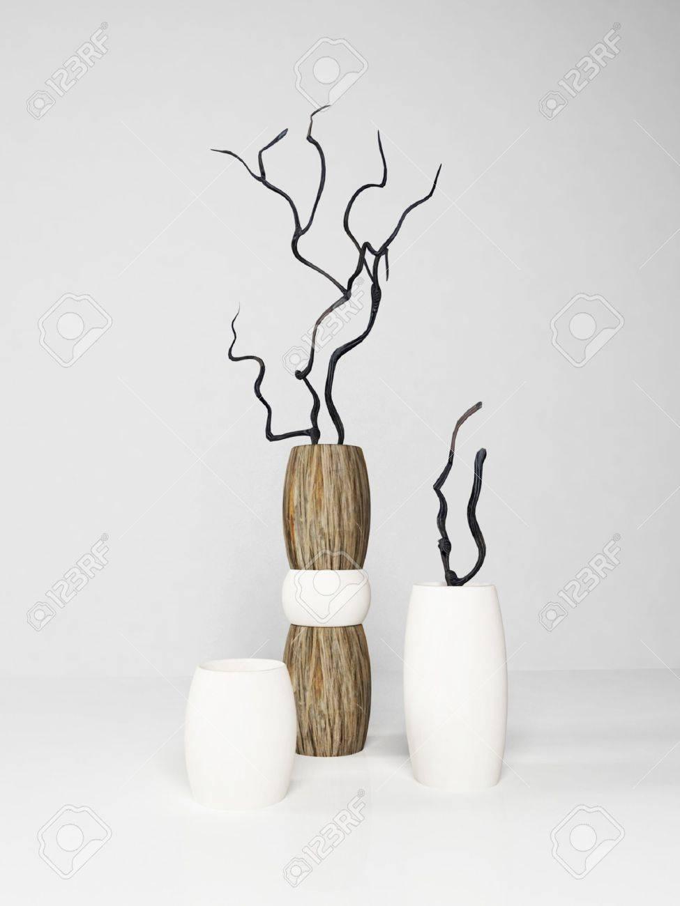 foto de archivo tres jarrones modernos sobre fondo blanco que prestan