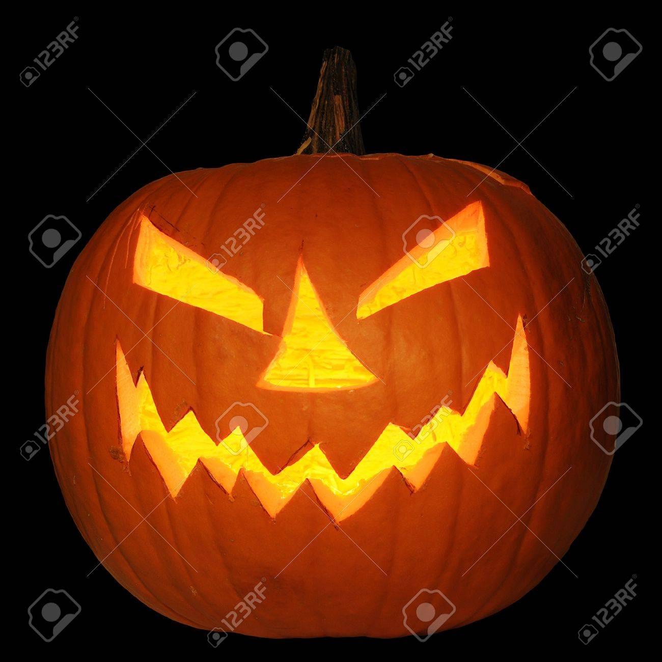 Pompoen Halloween.Scary Halloween Pompoen Jack O Lantern Kaars Aangestoken Gea Soleerd Op Zwarte Achtergrond