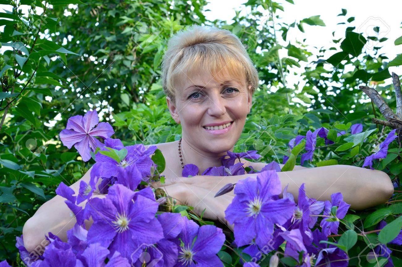 Фото женщины средних лет 3 фотография