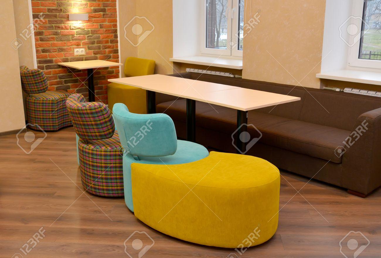 muebles modulares tapizado en sala de oficina foto de archivo