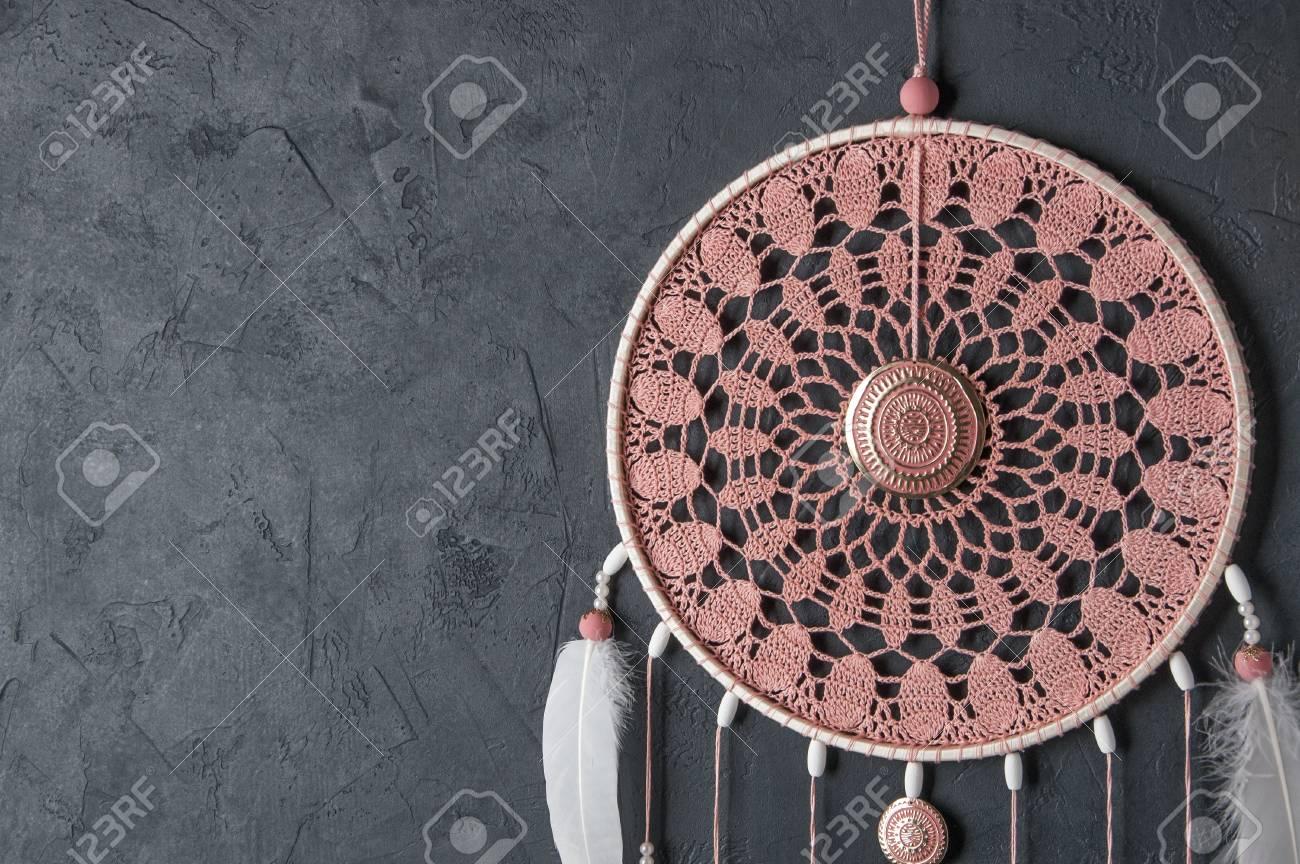 Rosafarbene Asche Häkeln Deckchen Traumfänger Nah Oben Auf