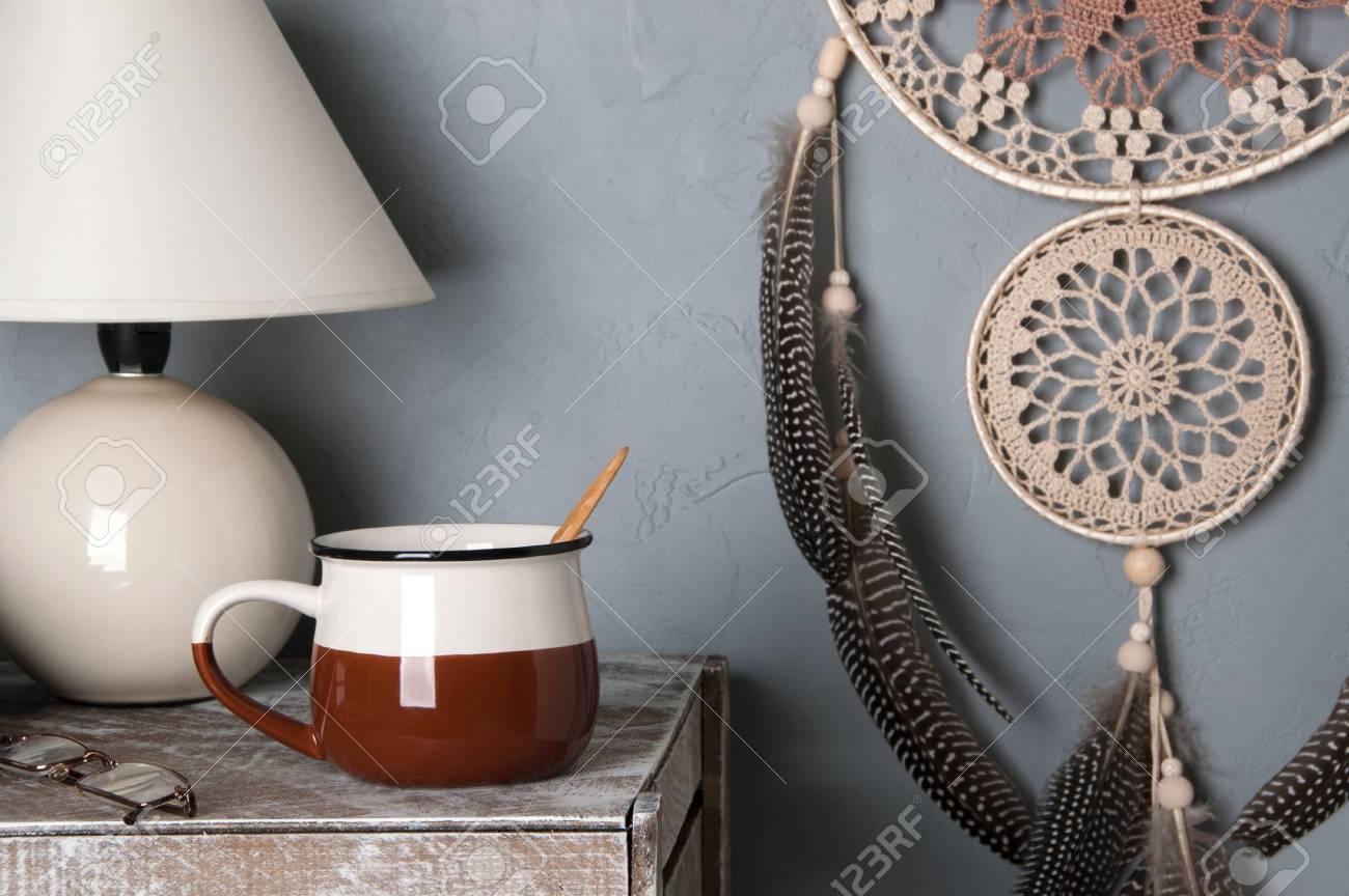 Beige Brun Crochet Nacré Dream Catcher, Tasse Et Lampe De Table Dans ...