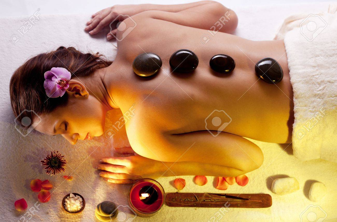 Young woman getting spa procedures. Stock Photo - 9074331