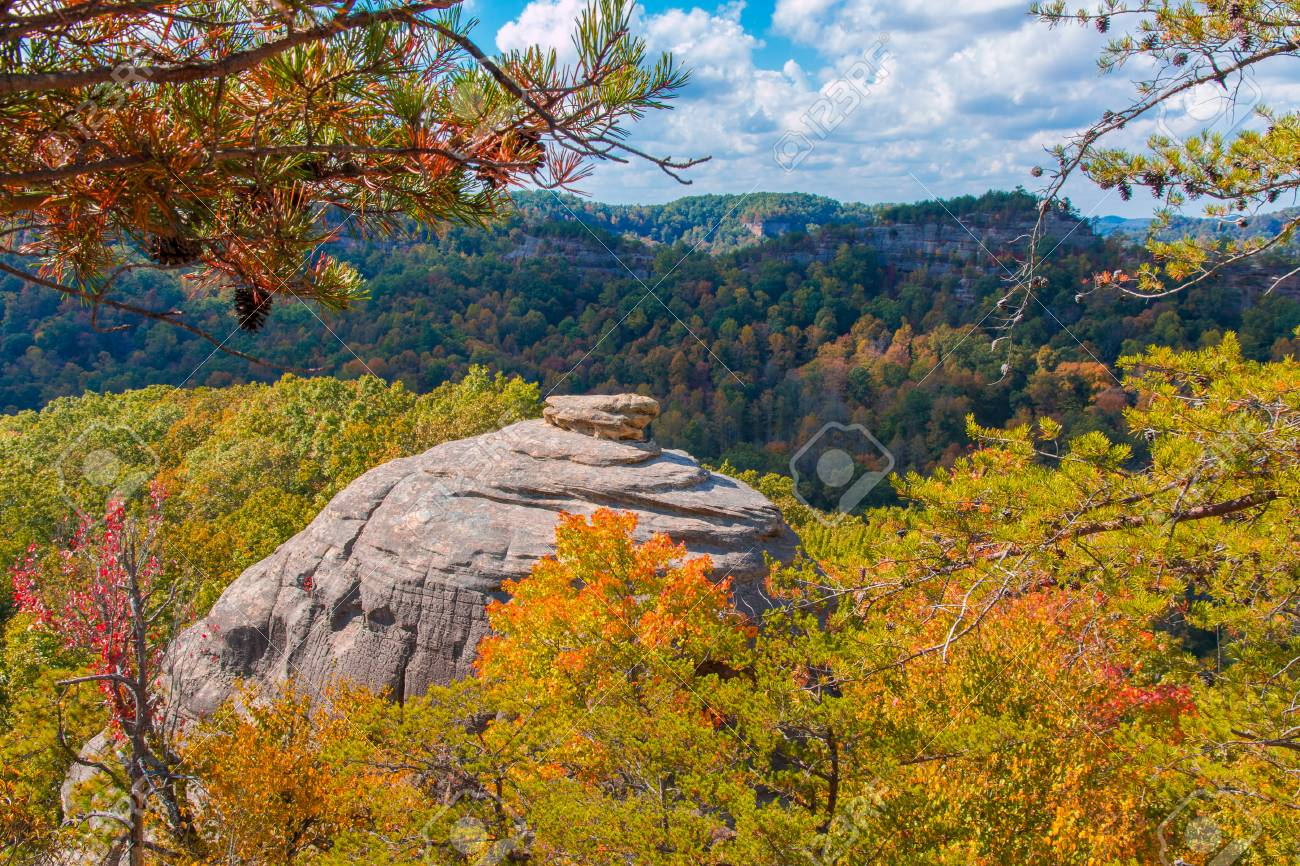 Courthouse Rock At Red River Gorge, Kentucky. Daniel Boone National.. Stock  Photo, Picture And Royalty Free Image. Image 73871310.