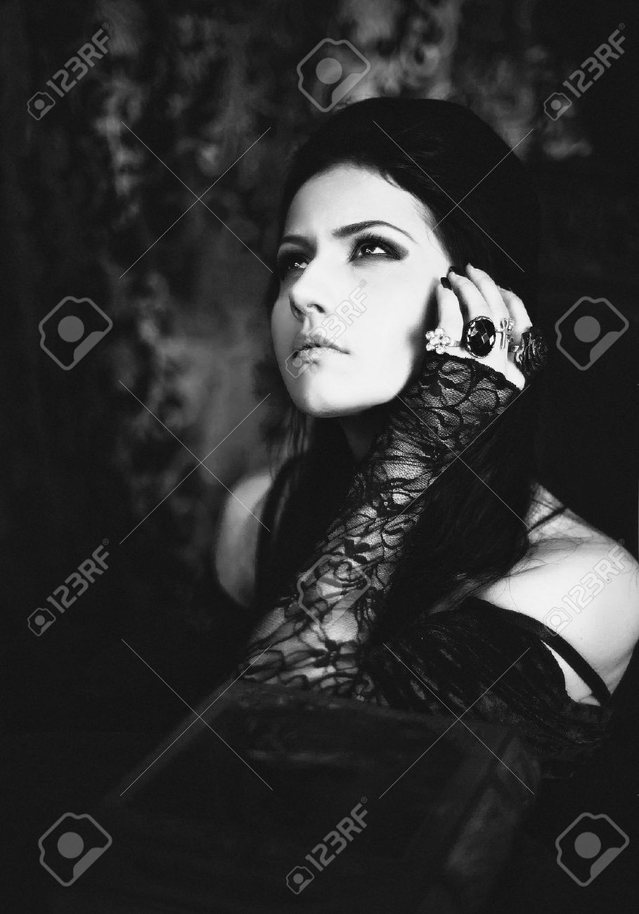 Serie Un retrato de la chica de estilo gótico Foto de archivo - 12438025
