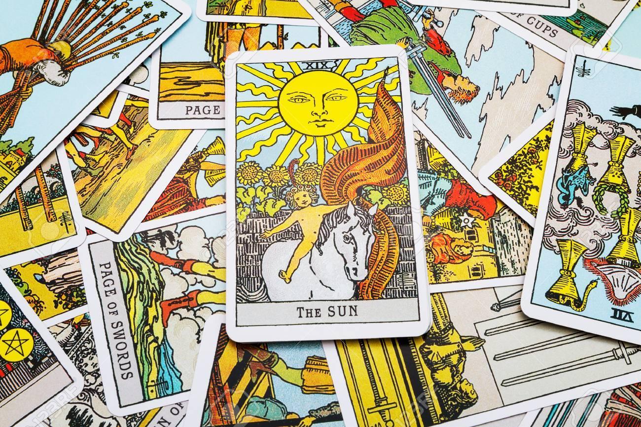 Tarot cards Tarot, the san card in the foreground. - 45132915