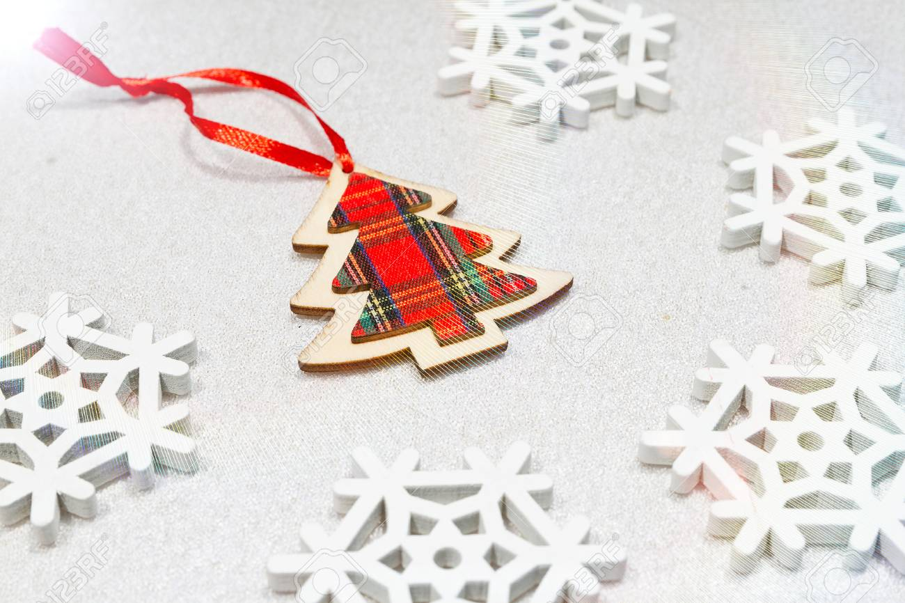 Weihnachten Hölzernen Verzierungen Spielzeug Baum Mit Band ...