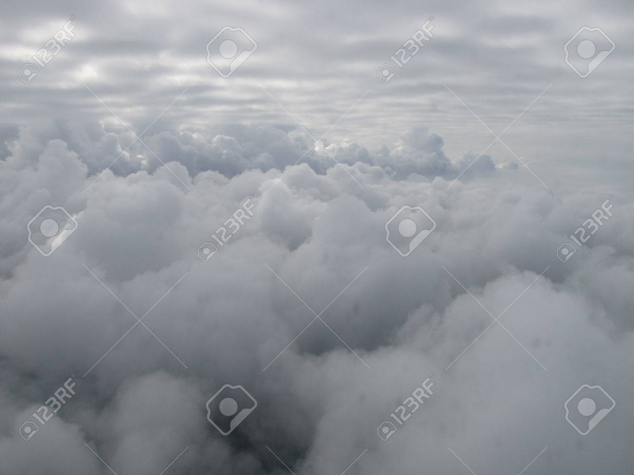 Inbetween the clouds - 34368986