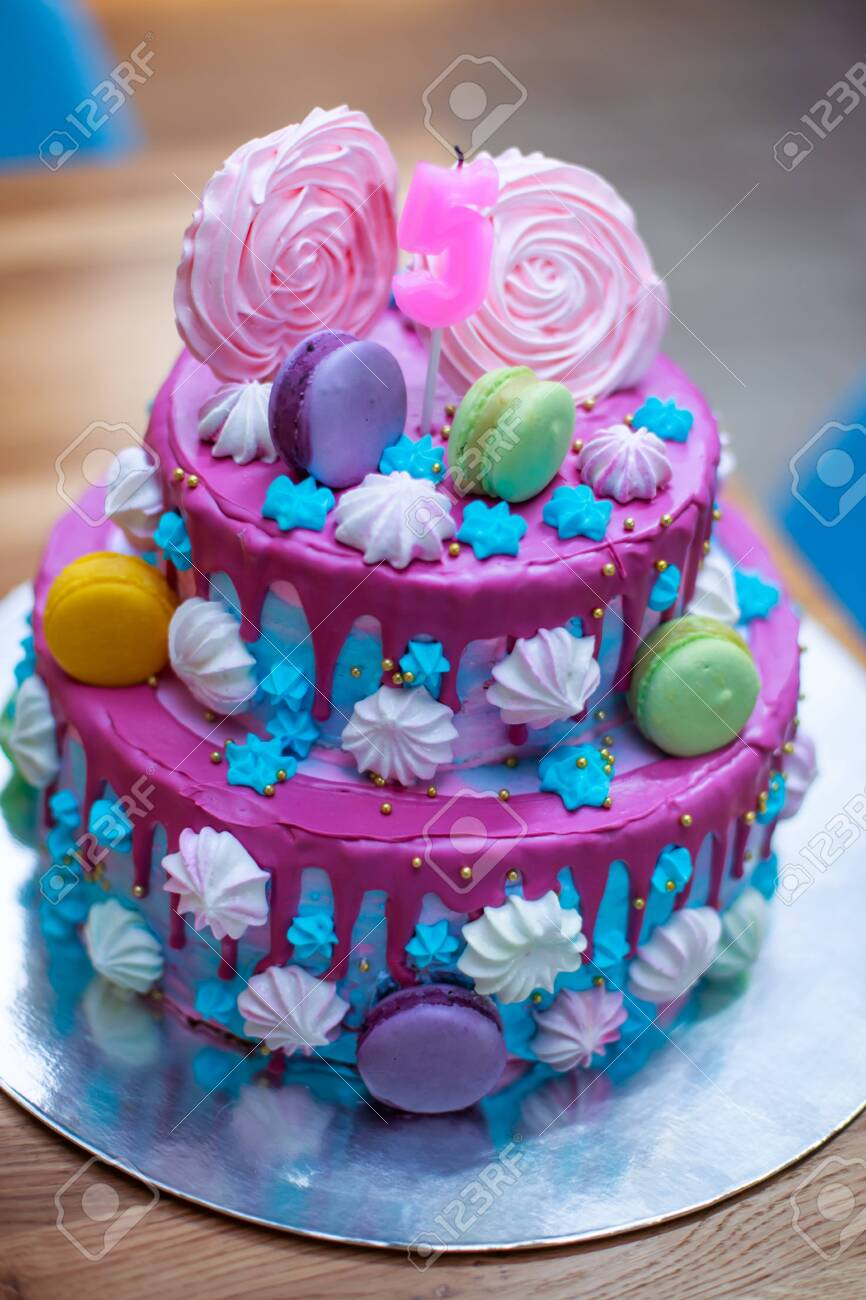 Brilliant Colourful Fresh Macaroons On Beautiful Cake For Child S Birthday Personalised Birthday Cards Akebfashionlily Jamesorg