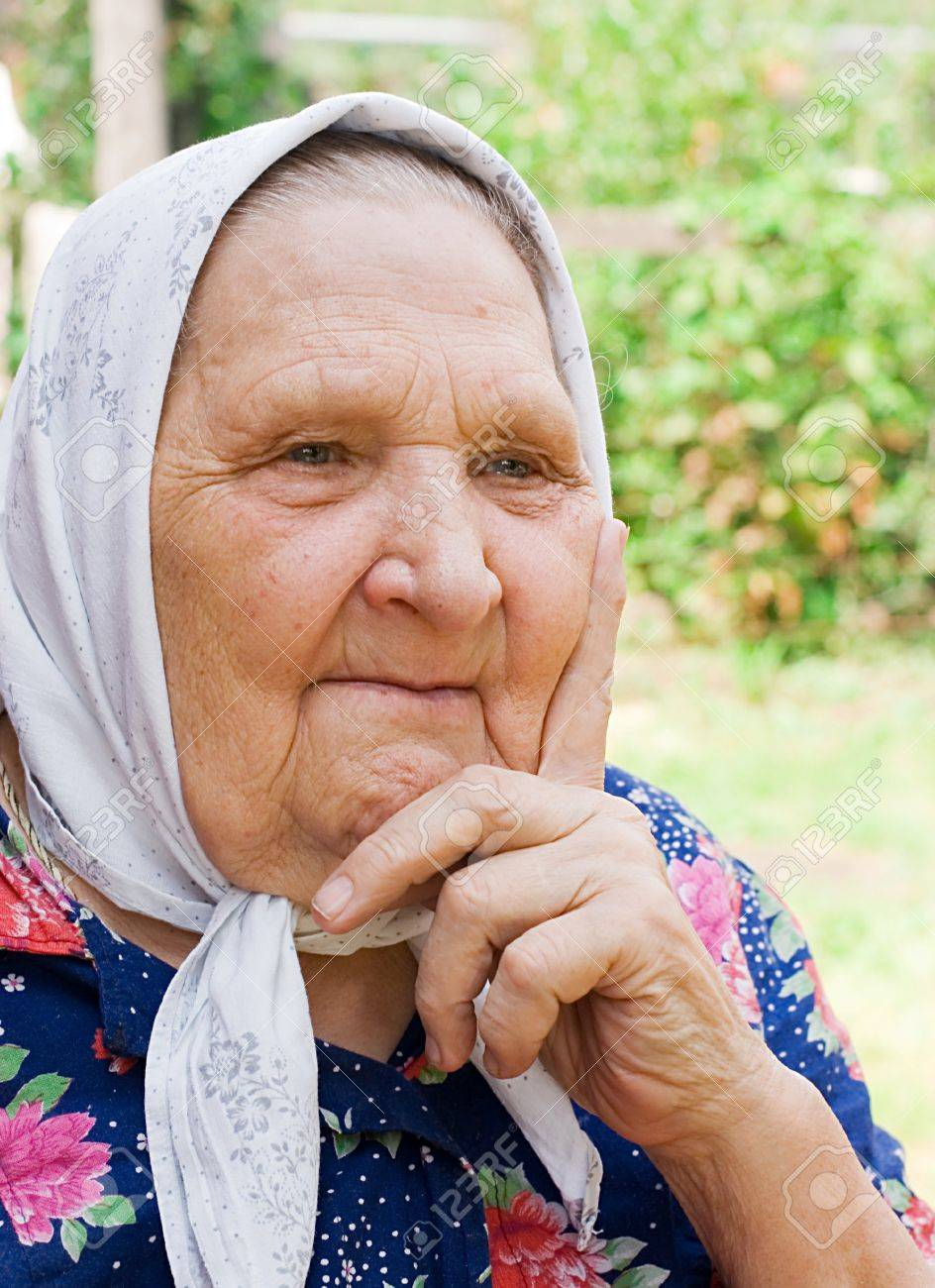 Portrait of the old woman in a scarf Stock Photo - 7970966