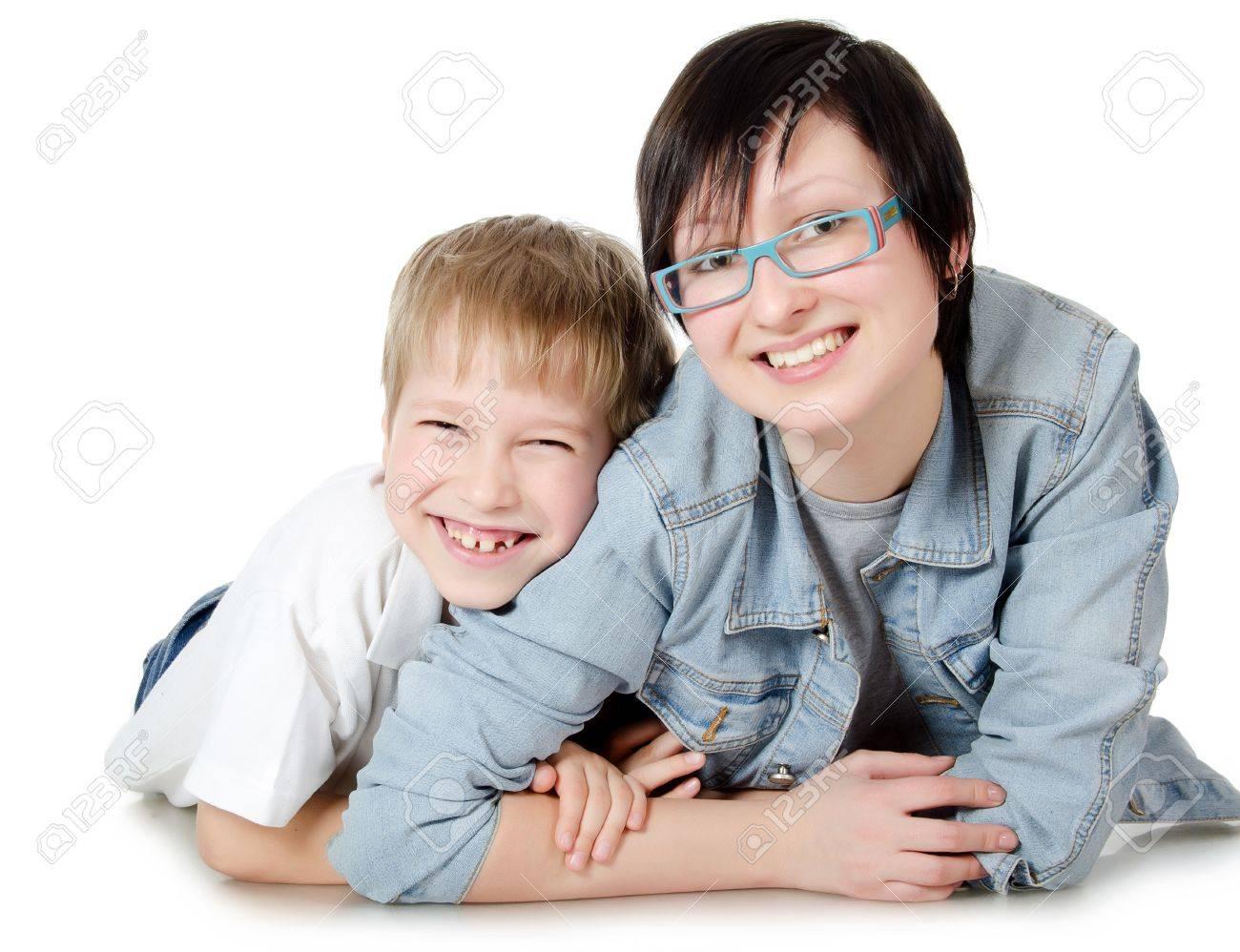 С сестрой мальчика 4 фотография