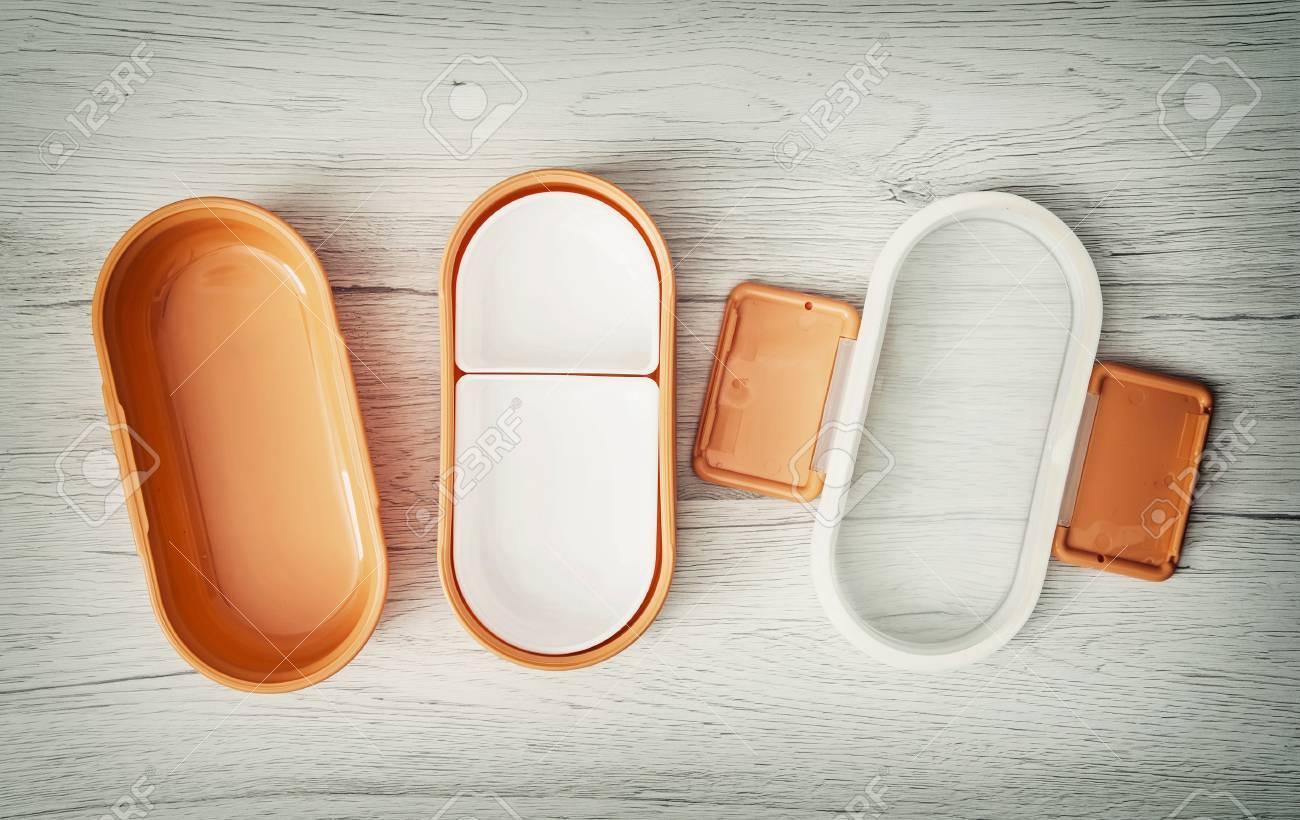 Orange Falten Auf Dem Holzernen Hintergrund Fur Lagerung Von