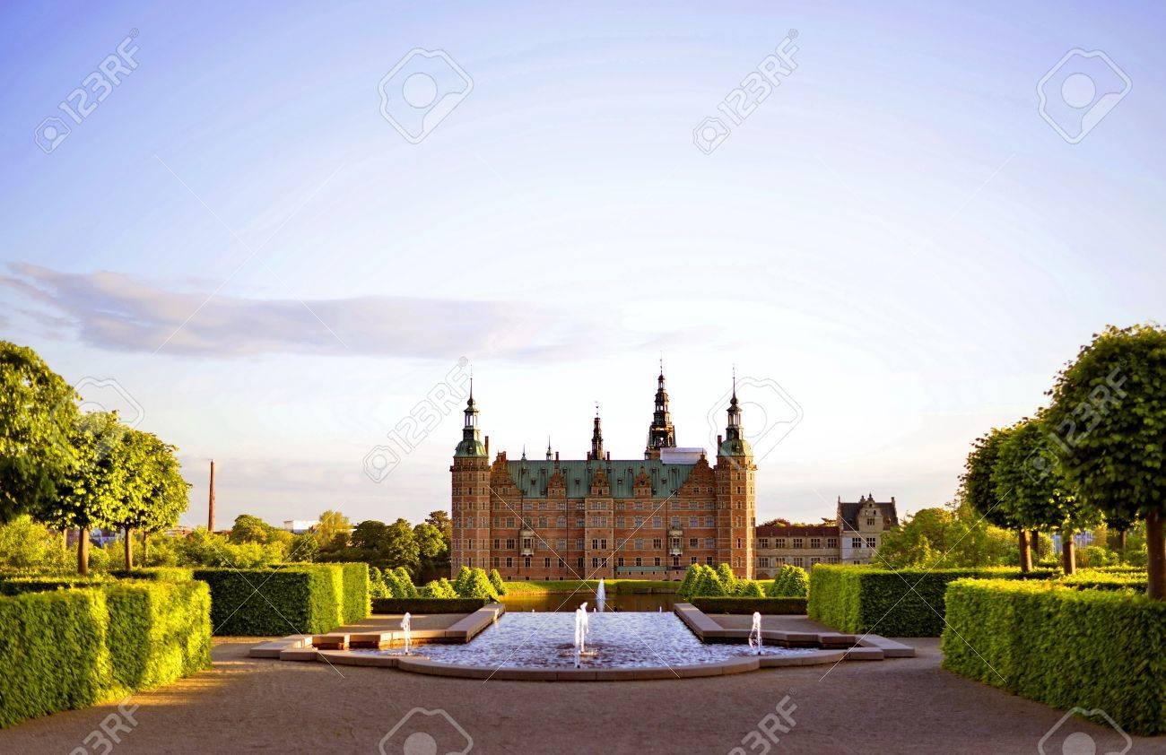 Schloss Frederiksborg Hillerod Dänemark Lizenzfreie Fotos Bilder