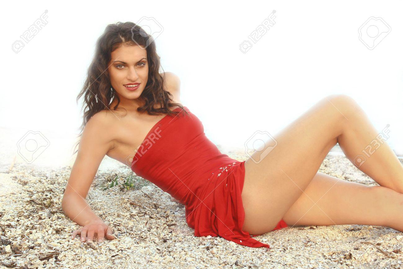 La Chica Del Vestido Rojo En El Fondo Del Mar