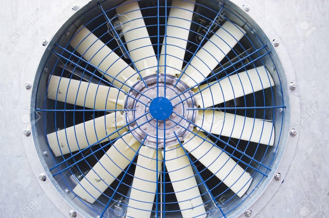 Goede De Oude Grote Industriële Ventilator Royalty-Vrije Foto, Plaatjes UY-19