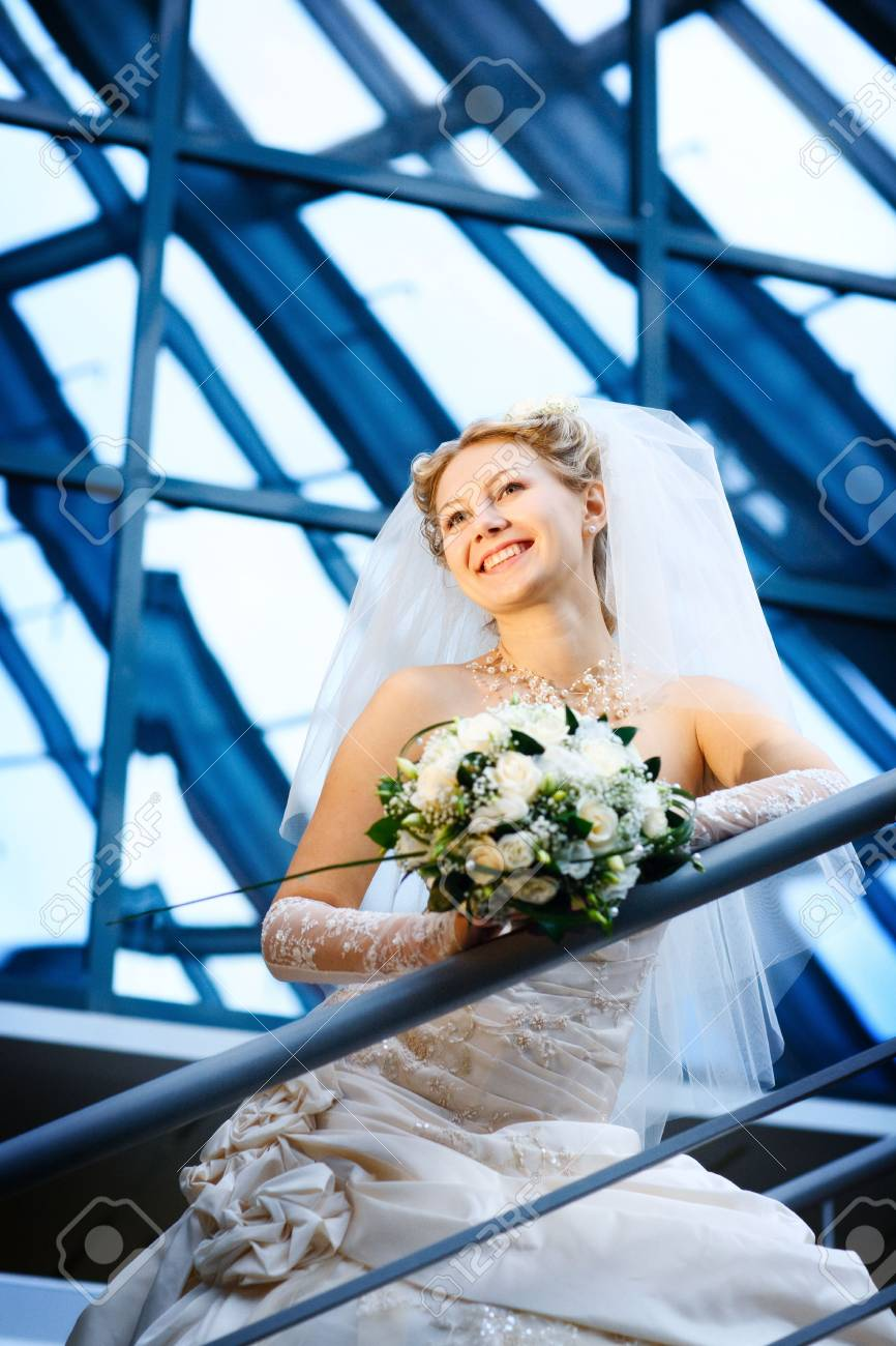 bride under the glass ceiling Stock Photo - 4946834