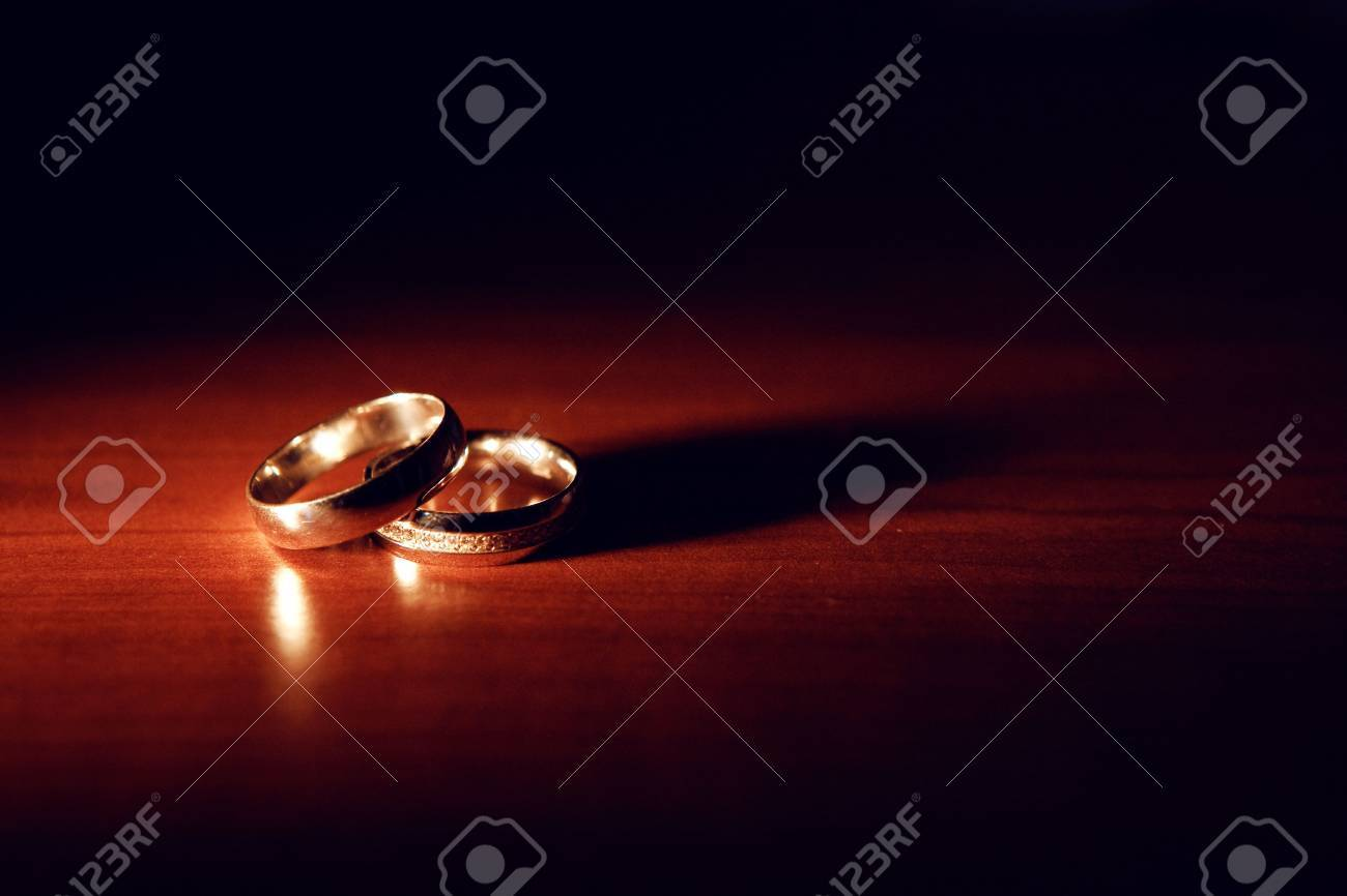 wedding rings on the table Stock Photo - 6182510