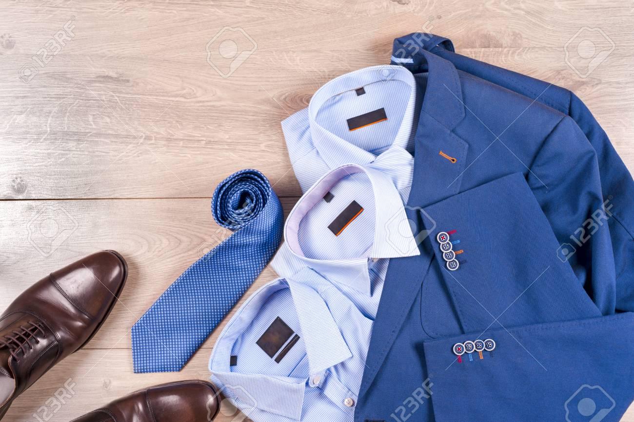 2cf6ea9ced4d8 Conjunto De Ropa Para Hombre Clásica - Traje Azul