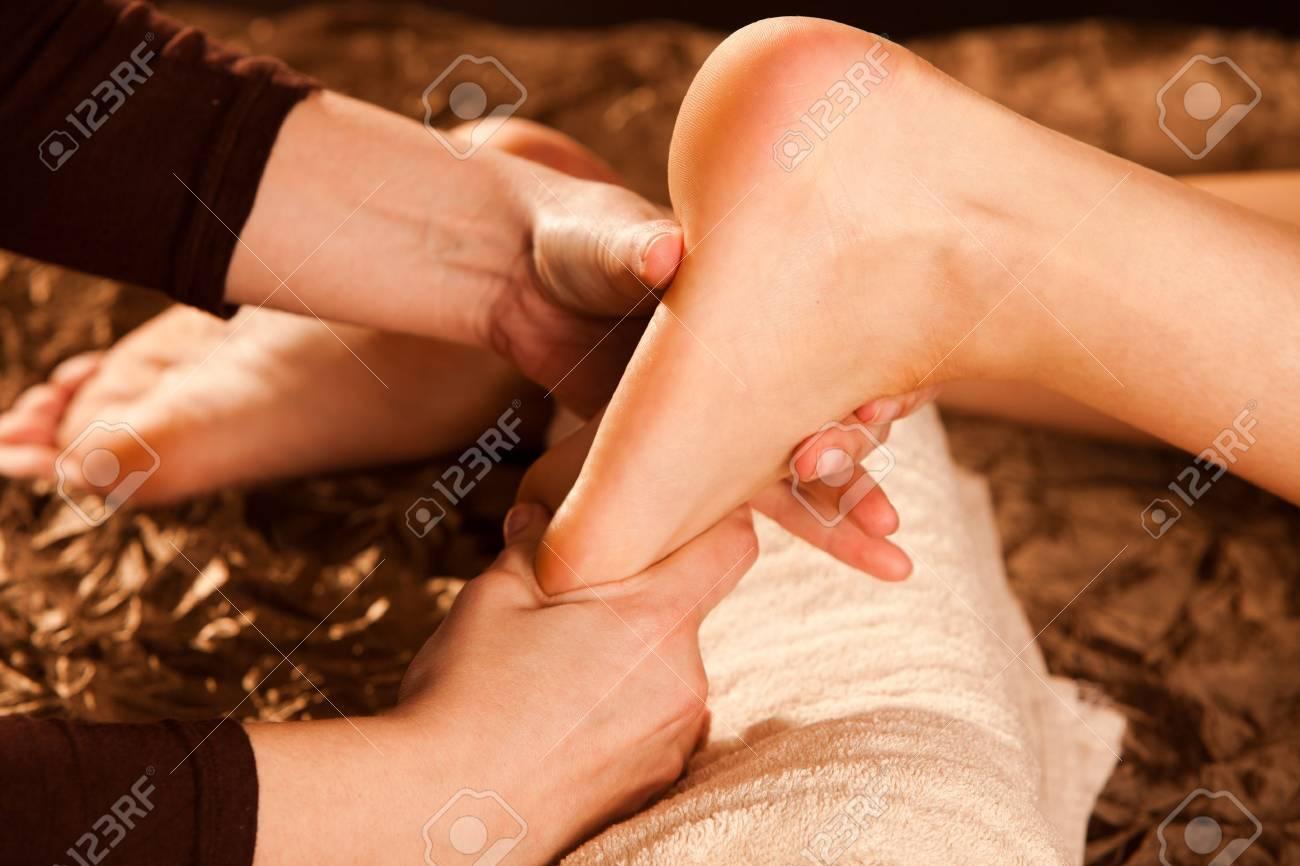 foot massage technique Stock Photo - 13385552