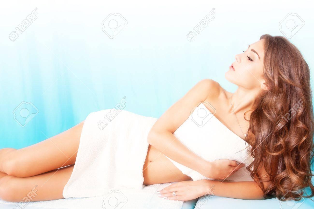 beautiful young woman in spa Standard-Bild - 15919031