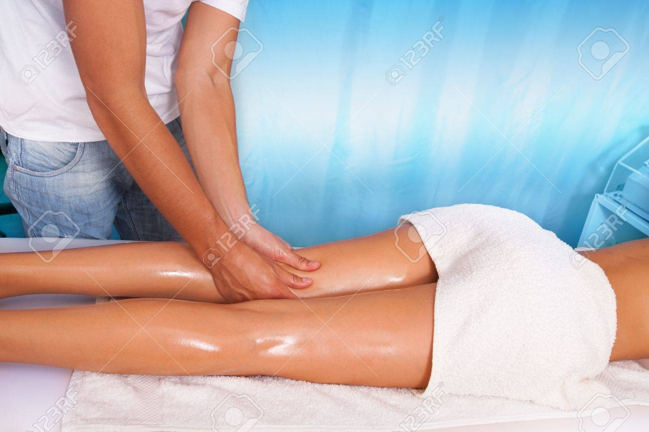 woman leg massage in health and spa center Stock Photo - 15919032