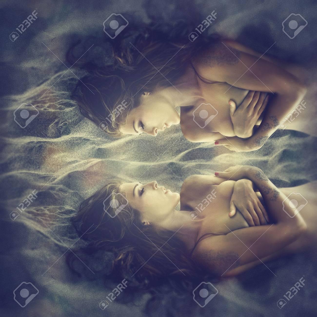 fantasy fairy women in send, composite photo Standard-Bild - 32962994