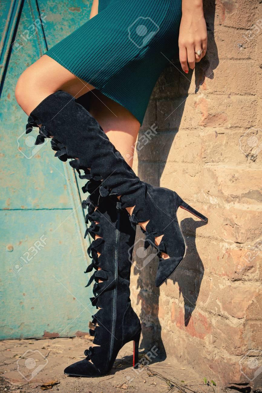 jupe courte bottes talons hauts