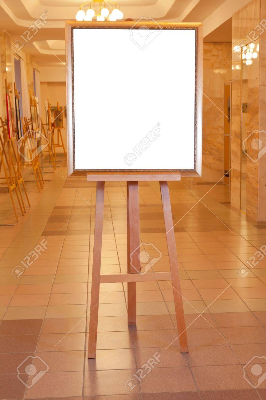 Einfache Holz-Bilderrahmen Mit Weißem Ausschnitt Leinwand Auf ...