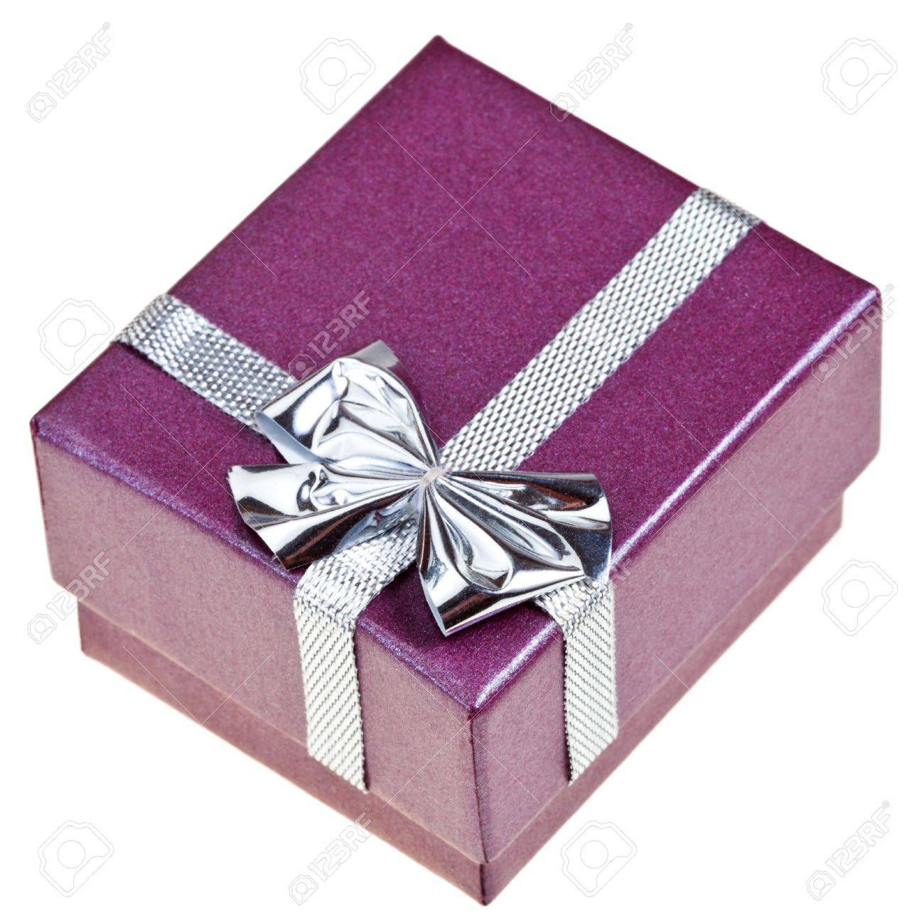small purple gift box with silver bow isolated on white background Stock Photo - 18901911  sc 1 st  123RF.com & Small Purple Gift Box With Silver Bow Isolated On White Background ...