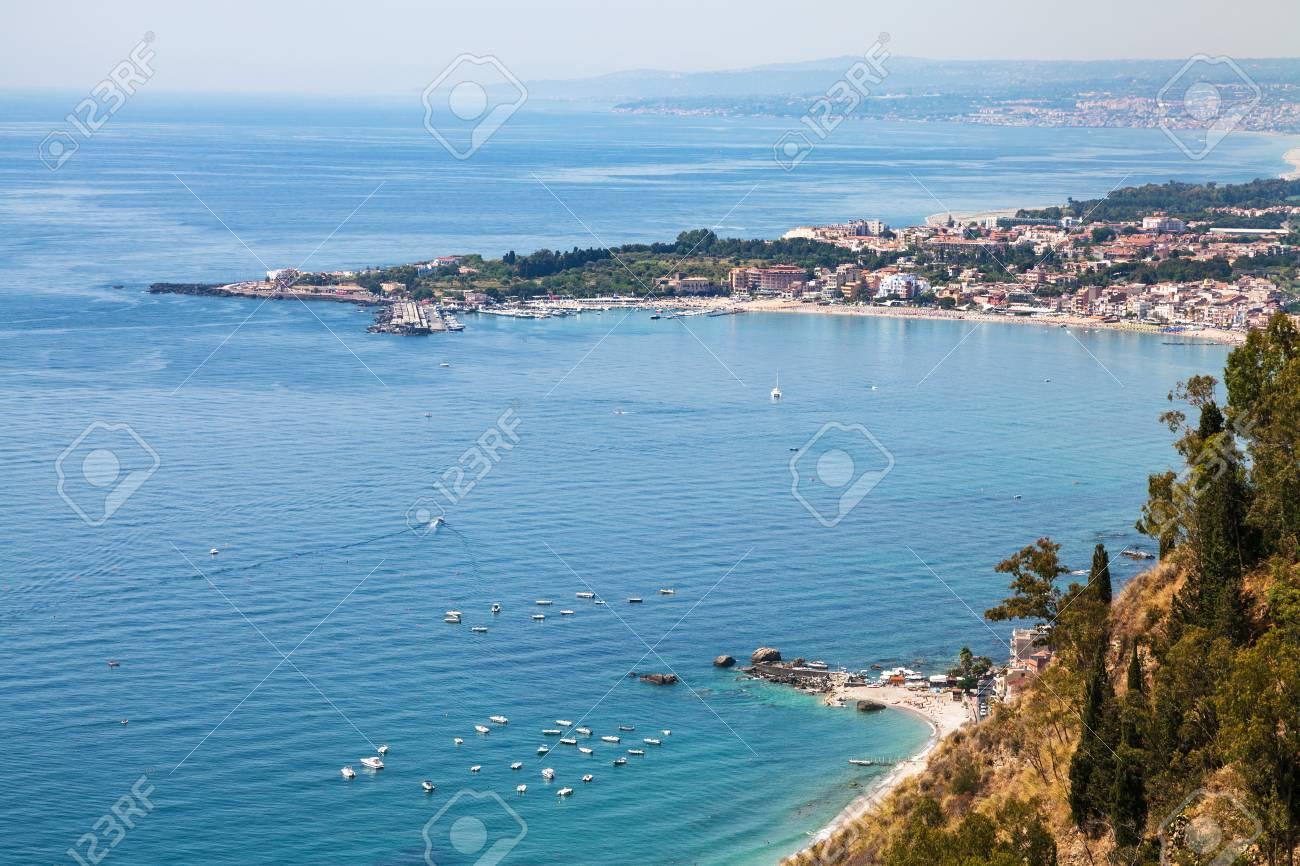Spiaggia giardini naxos taormina sicilia foto immagine stock