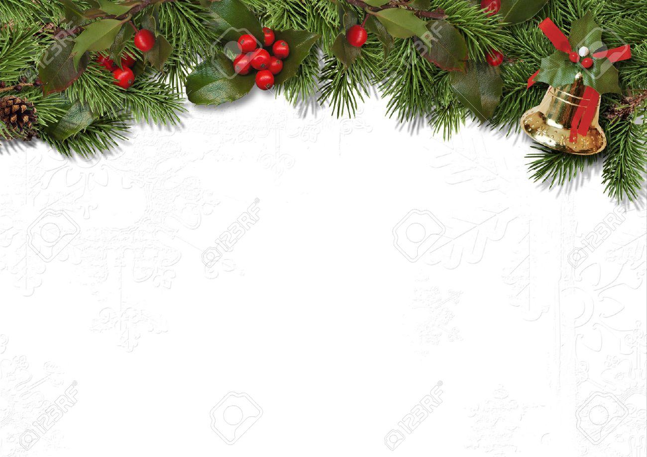 クリスマス枠線の枝と白い背景のホリー の写真素材画像素材 Image