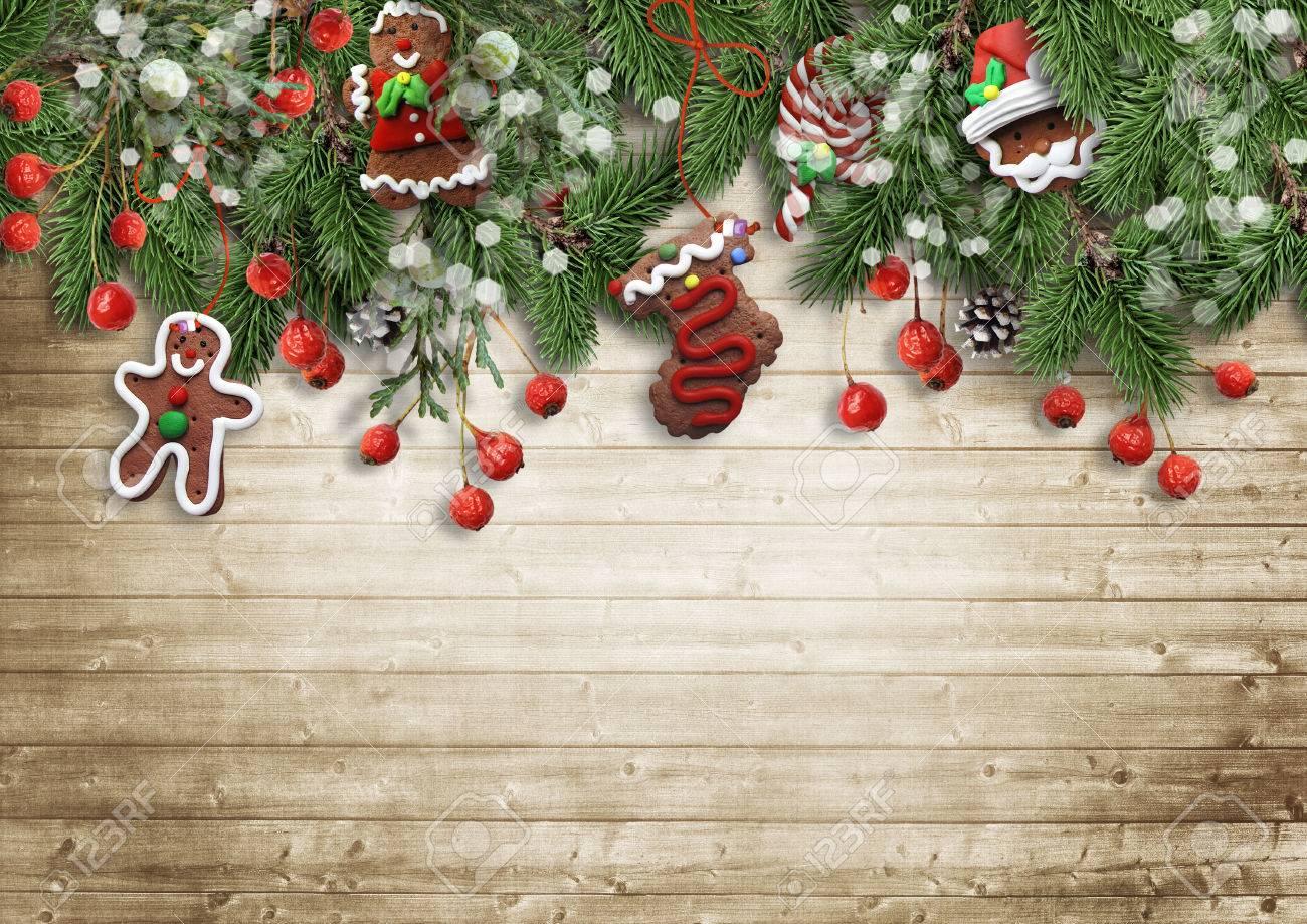 Banque Du0027images   Sapin De Noël Avec Des Biscuits, De Houx Et De Décoration  Sur Bois