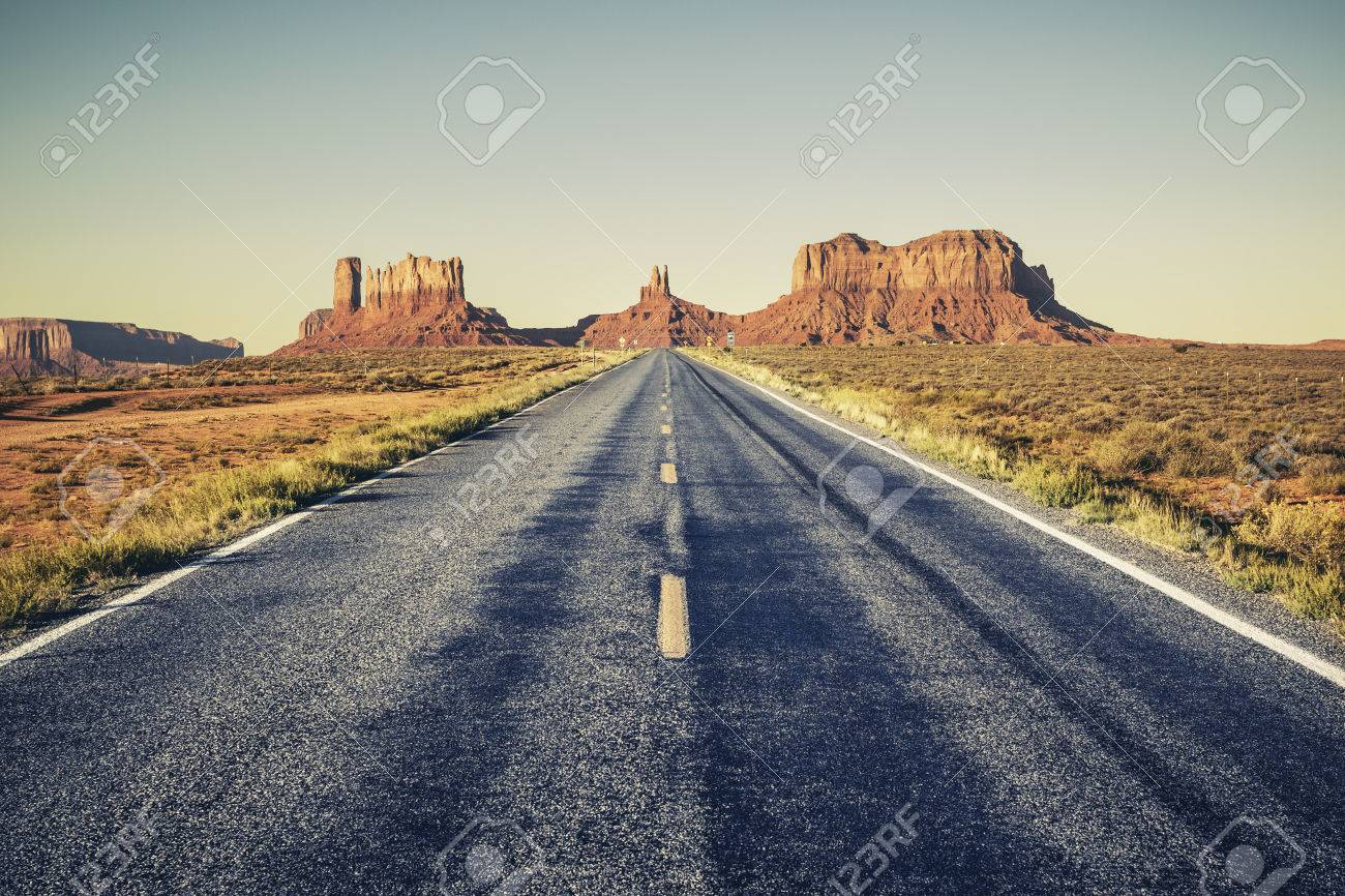 Long road to Monument Valley, USA - 30723038