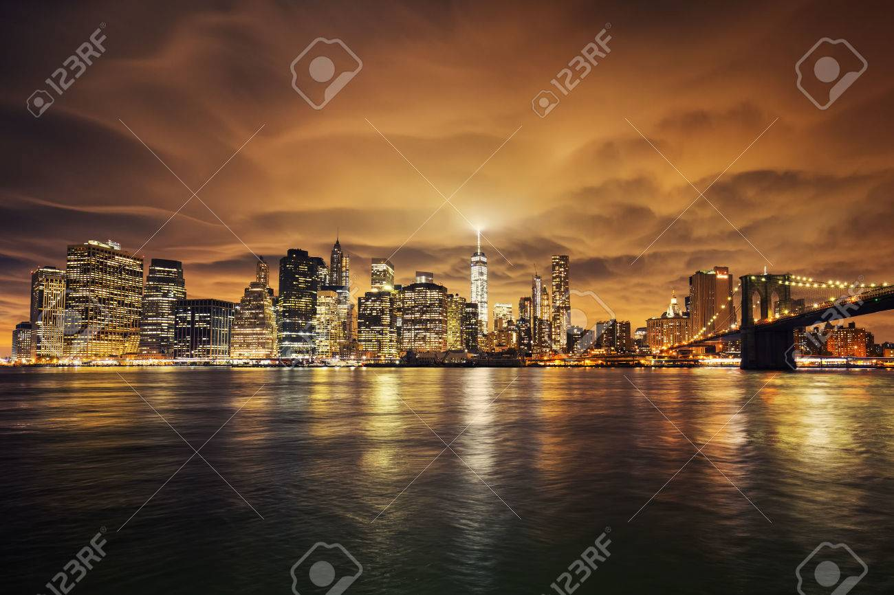 Manhattan at sunset, New York City. View from Brooklyn - 43792259