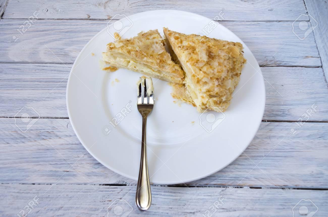 Napoleon Kuchen Backen Sie Auf Einer Weissen Platte Mit Einer