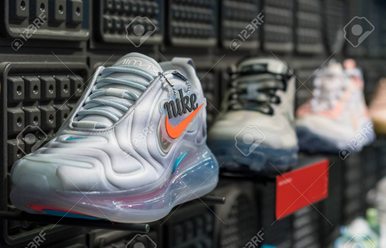 Incorrecto Restringir Volar cometa  MINNEAPOLIS, MINNESOTA, - AUGUST, 8, 2019: A Display Of Nike.. Stock Photo,  Picture And Royalty Free Image. Image 138949097.