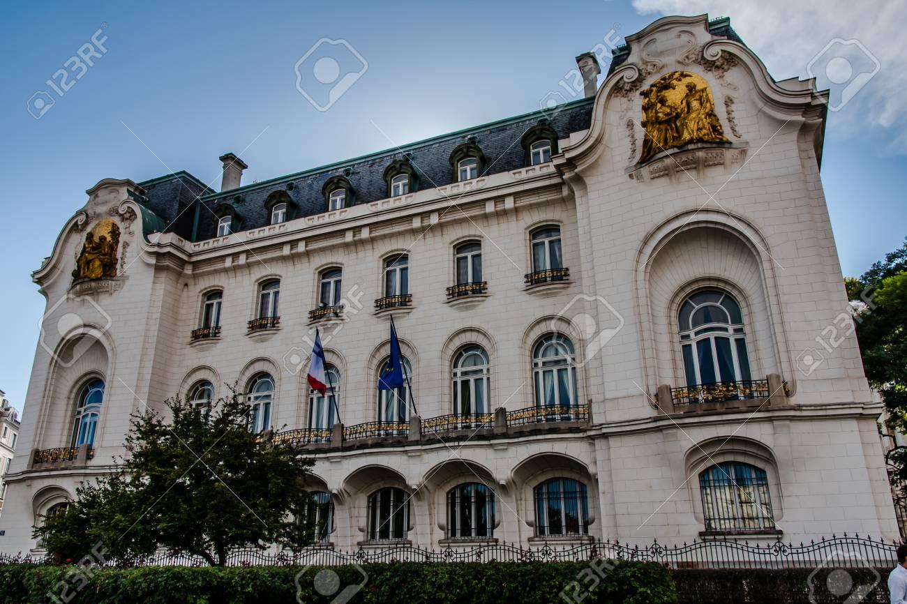 大使 館 フランス