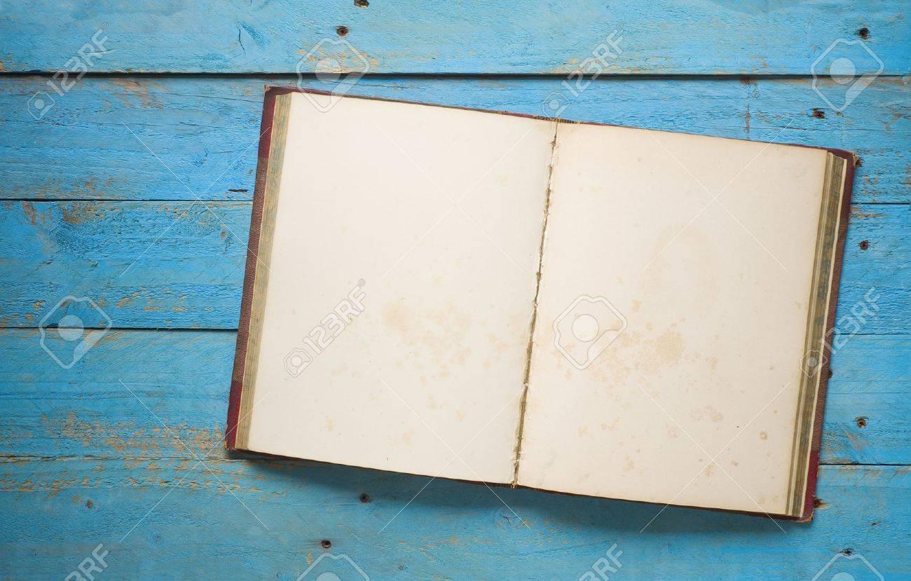 open vintage book, free copy space - 31034055