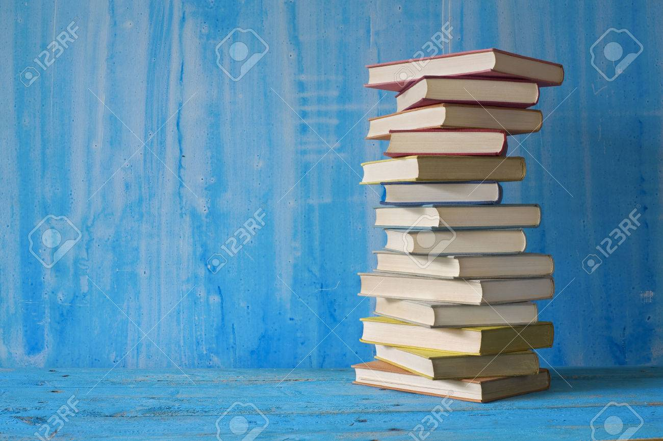 stack of books - 31899175